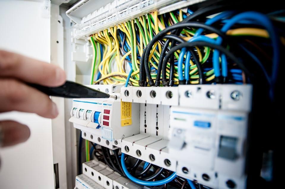 Montajes eléctricos en Santaella